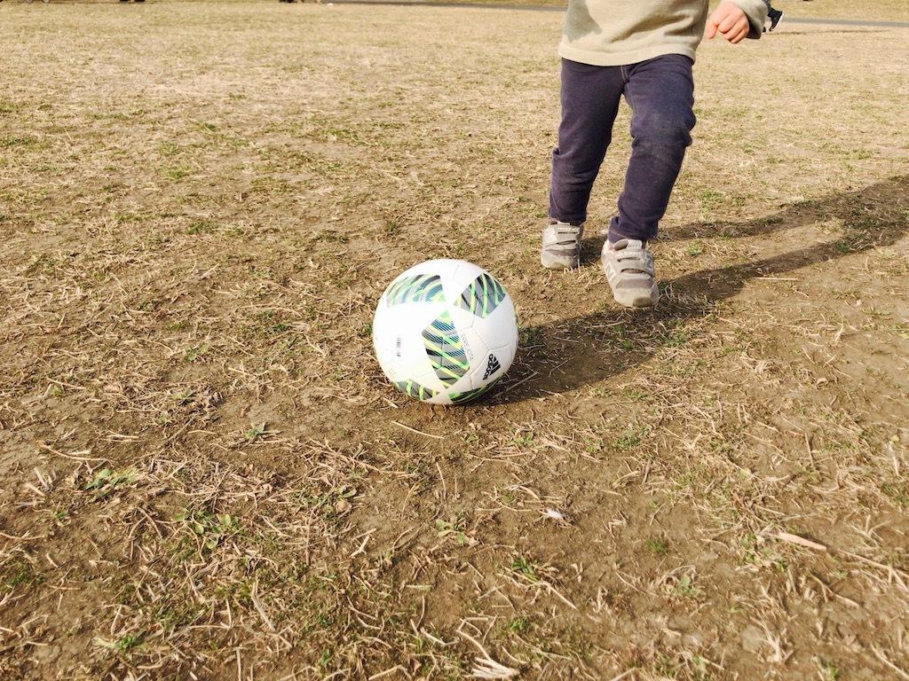 アディダス サッカーボール 3号球
