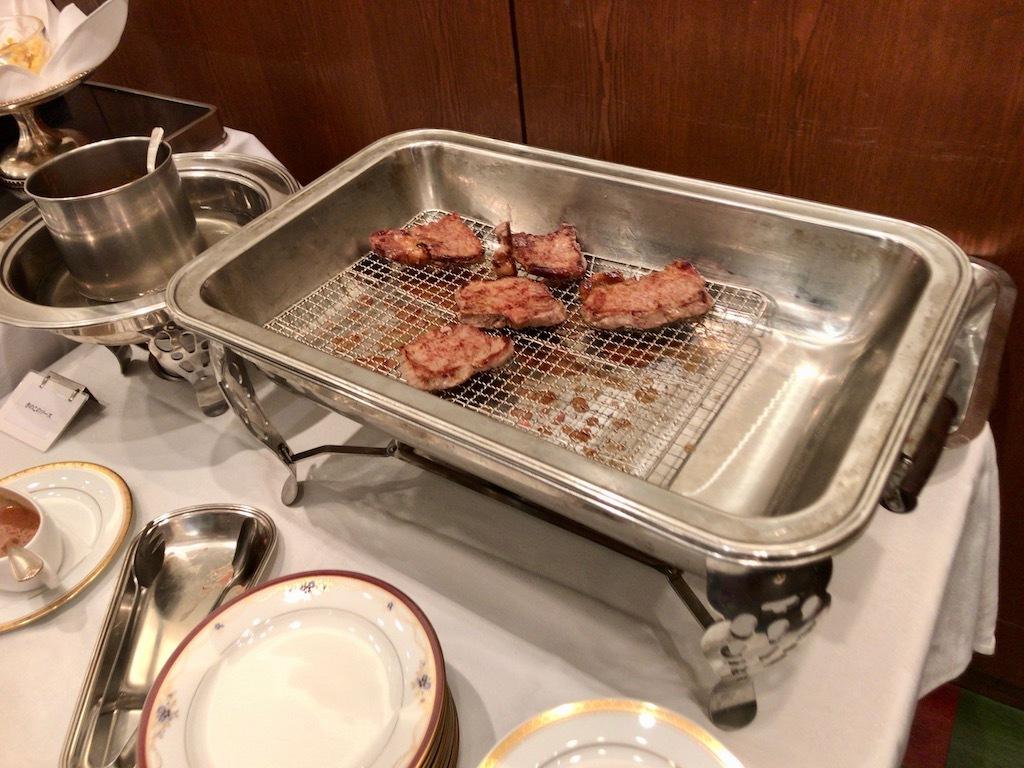 焼きあがったステーキ
